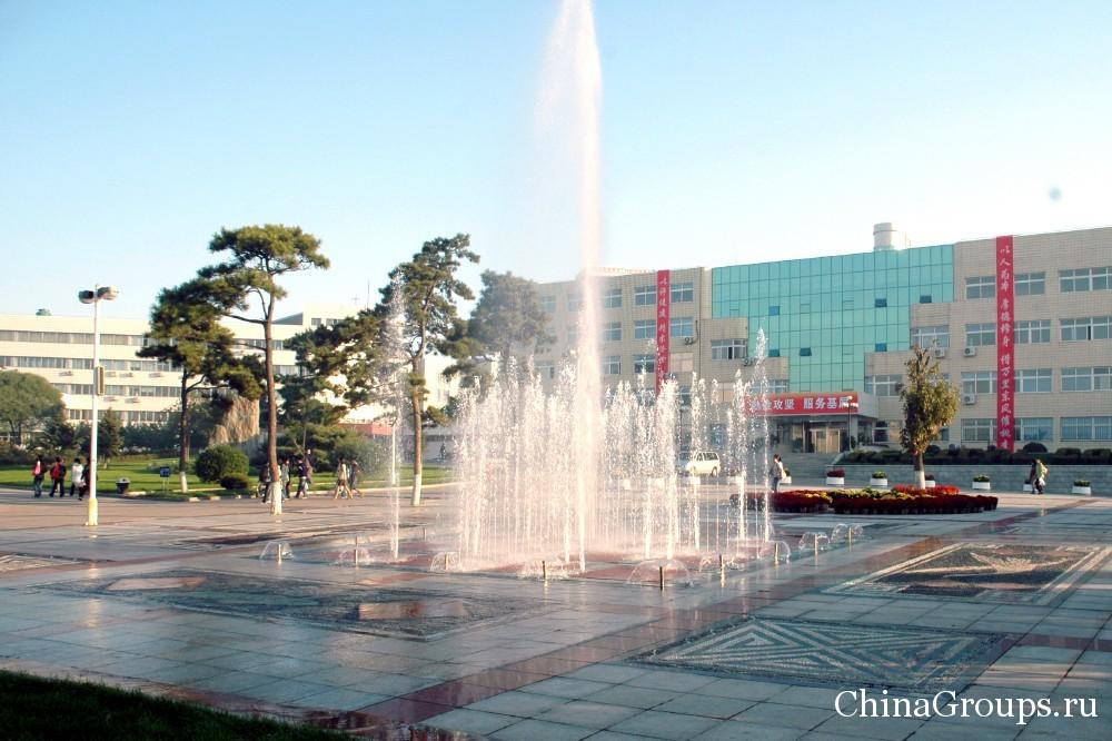 фонтаны на главной площади