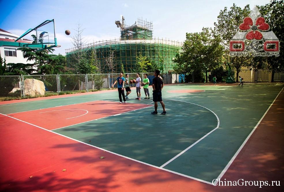 Спортивные площадки университета Лудонг